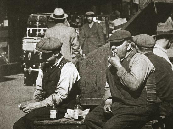 Day labourers having a hot dog and lemonade, Battery Park, New York, USA, early 1930s-Unknown-Photographic Print