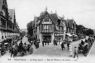 Deauville, Street Scene--Photographic Print