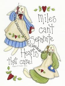 Hearts That Care 2 Bunnies by Debbie McMaster