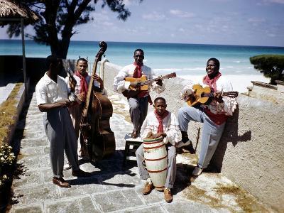 December 1946: Band at the Kastillito Club in Veradero Beach Hotel, Cuba-Eliot Elisofon-Photographic Print