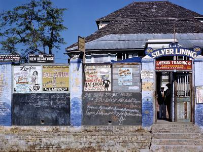https://imgc.artprintimages.com/img/print/december-1946-entrance-to-the-silver-lining-cafe-in-jamaica_u-l-q130zq40.jpg?p=0