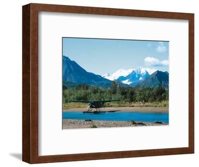 Float Plan on Salmon Stream, Katmai National Park, Alaska, USA