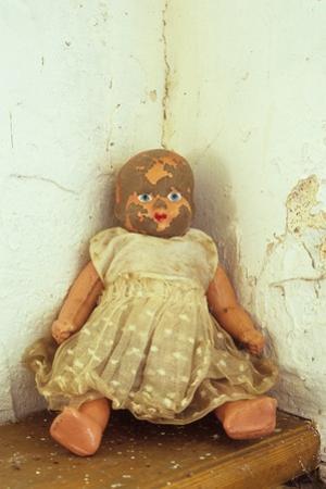 Female Doll by Den Reader