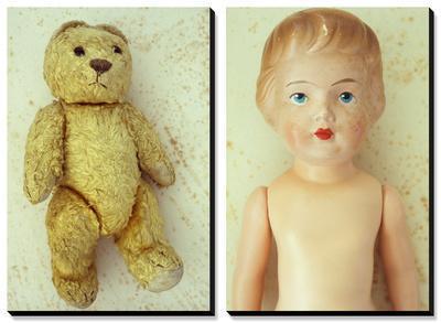 Well Worn: Childhood Dolls and Memories by Den Reader