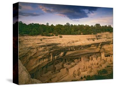 Ruins of Cliff Palace Built by Pueblo Indians, Mesa Verde National Park, Colorado, USA