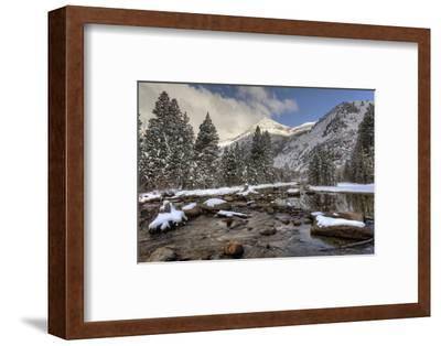 USA, California, Sierra Nevada Range. Spring Snow at North Lake