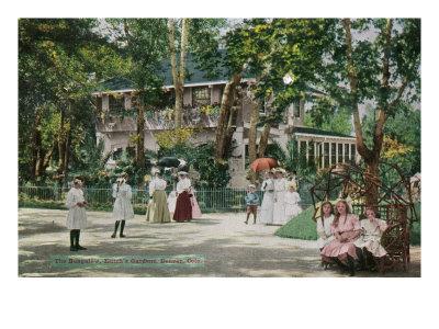 https://imgc.artprintimages.com/img/print/denver-colorado-exterior-view-of-the-bungalow-at-elitch-s-gardens_u-l-q1goo940.jpg?p=0