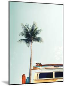 Surf Bus Yellow by Design Fabrikken
