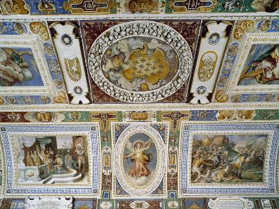 Detail from Ceiling of Hall of Farnesina Magnificence-Taddeo Zuccari-Giclee Print