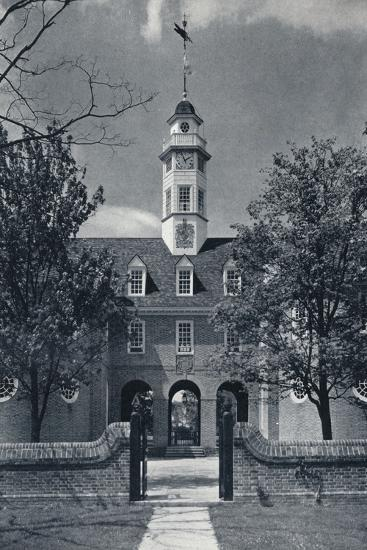'Detail Showing Cupola of Capitol, Queen Anne's Arms over central Arch', c1938-Unknown-Photographic Print