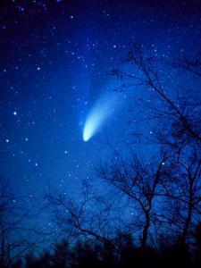 Optical Image of Comet Hale-Bopp, 6 April 1997 by Detlev Van Ravenswaay