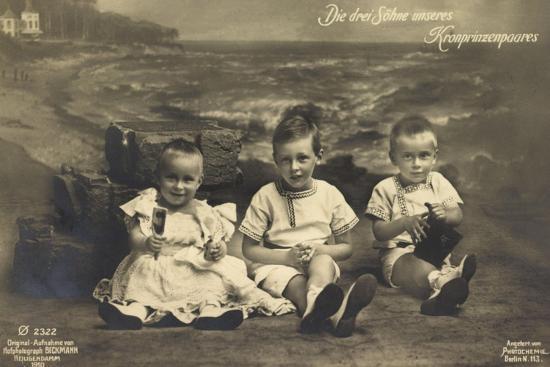 Die Drei Söhne Unseres Kronprinzenpaares, Strand, Ph--Giclee Print