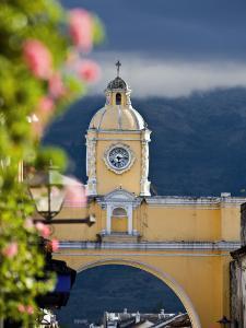 Arco De Santa Catalina by Diego Lezama