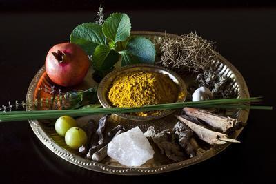 https://imgc.artprintimages.com/img/print/different-indian-spices-on-display-at-swaswara-karnataka-india-asia_u-l-q12qpo70.jpg?p=0
