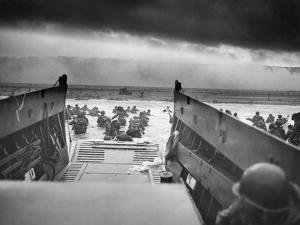 Digitally Restored World War II Photo of American Troops Approaching Omaha Beach