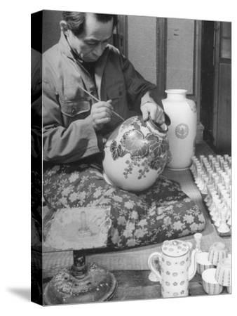 Japanese Pottery Worker Painting Large Vase