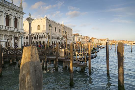 Doge's Palace and Grand Canal, Venice, UNESCO World Heritage Site, Veneto, Italy, Europe-Frank Fell-Photographic Print