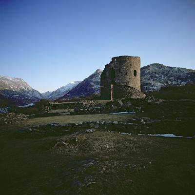 Dolbadarn Castle--Photographic Print