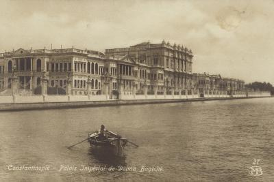 Dolmabahce Palace, Constantinople, Turkey--Photographic Print
