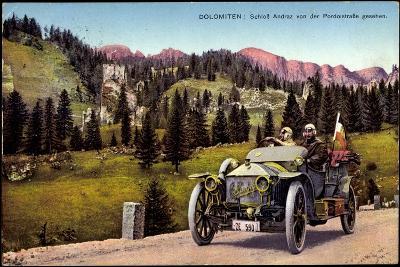 Dolomiten Veneto, Schloss Andraz, Pordoistraße, Auto--Giclee Print