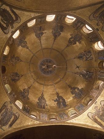 Dome of Pentecost, Mosaic in St. Mark's Basilica, Venice, Italy, 12th Century--Giclee Print