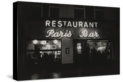 Vogue - October 1985 - Paris Restaurant in Berlin