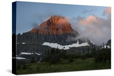 USA, Montana, Glacier National Park. Sunrise on Reynolds Mountain
