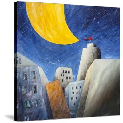 Sotto una grande luna gialla