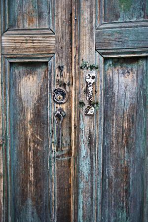 https://imgc.artprintimages.com/img/print/door-and-handle-detail-san-cristobal-de-las-casas-chiapas-mexico_u-l-pxrjul0.jpg?p=0