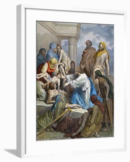 Dor?: Jesus Healing Sick-Gustave Doré-Framed Giclee Print