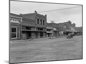 Caddo, Oklahoma, 1938 by Dorothea Lange
