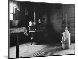 Home of tobacco sharecropper North Carolina, 1939 by Dorothea Lange
