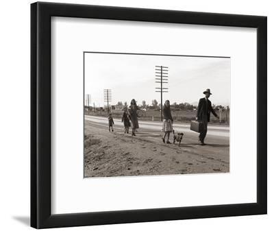 Homeless Migrant Family of Seven, Walking the Highway from Phoenix, Arizona, 1939