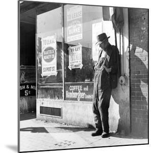 "Howard Street, San Francisco, California, known as ""Skid Row"", 1937 by Dorothea Lange"