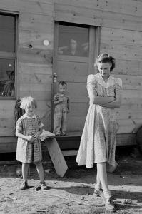 Migrant Mother and Children by Dorothea Lange
