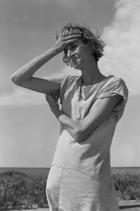Wife of a Migratory Laborer with Three Children by Dorothea Lange