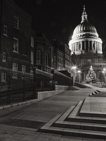 St. Pauls of London by Doug Chinnery