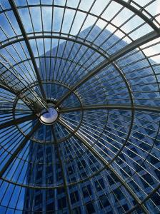 An Eye on the Sky, Canary Wharf - London, England by Doug McKinlay
