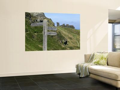 Signposts, Tintagel Castle
