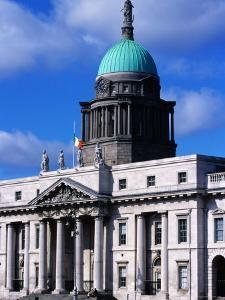 The Custom's House Building, Dublin, Ireland by Doug McKinlay