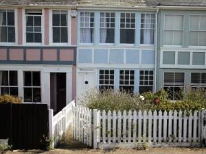 Victorian Seafront Cottages, Whitstable by Doug McKinlay