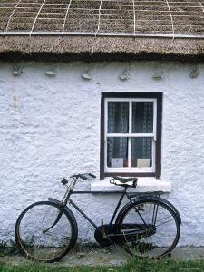 Cottage, Gencolumbkille, Donegal Peninsula, Co. Donegal, Ireland by Doug Pearson
