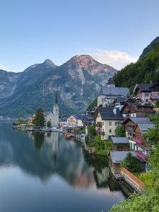 Hallstatt, Hallstattersee, Oberosterreich, Upper Austria, Austria by Doug Pearson