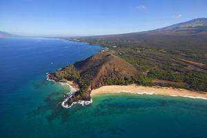 Makena Beach, Aka Oneloa Beach and Big Beach, Maui, Hawaii, USA by Douglas Peebles