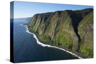 Waterfalls, North Kohala Coast, Big Island, Hawaii, USA