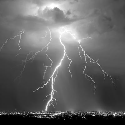 Urban Lightning II BW