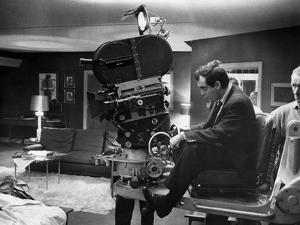 Dr STRANGELOVE, 1964 directed by STANLEY KUBRICK Stanley Kubrick on the set (b/w photo)