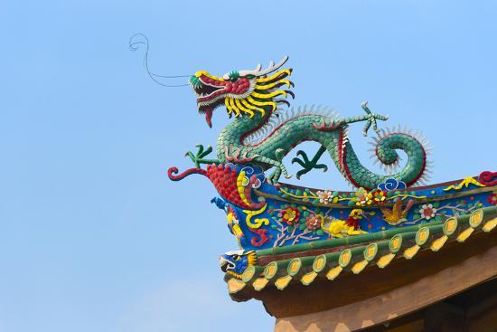 Dragon sculpture on the roof of South Putuo Temple, Xiamen, Fujian Province, China-Keren Su-Premium Photographic Print
