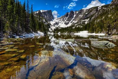 https://imgc.artprintimages.com/img/print/dream-lake-at-the-rocky-mountain-national-park-colorado-usa_u-l-q105pa20.jpg?p=0