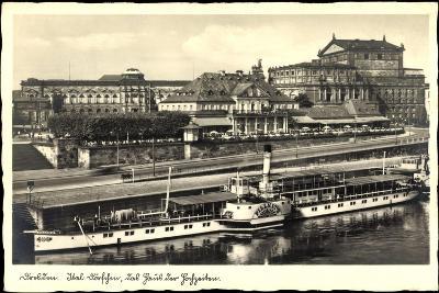 Dresden, Dampfer Pillnitz, Ital. Dörfchen, Café--Giclee Print